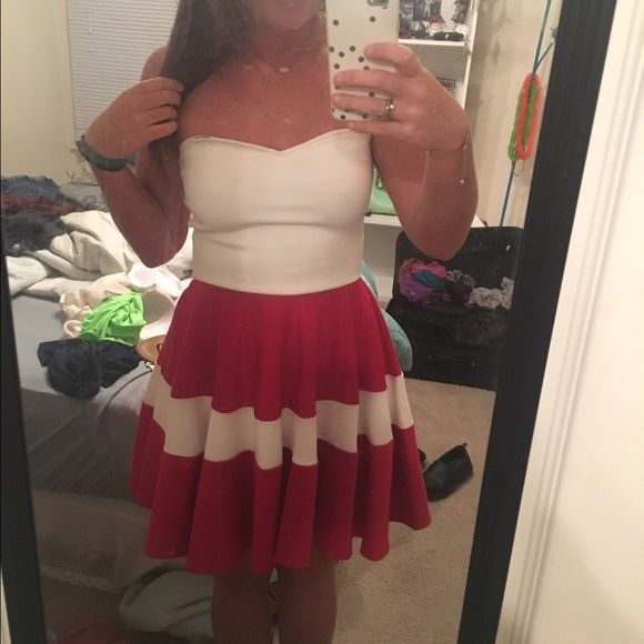 Strapless white/red dress Hardly ever worn, slight stretch, perfect for game days! Dresses Strapless