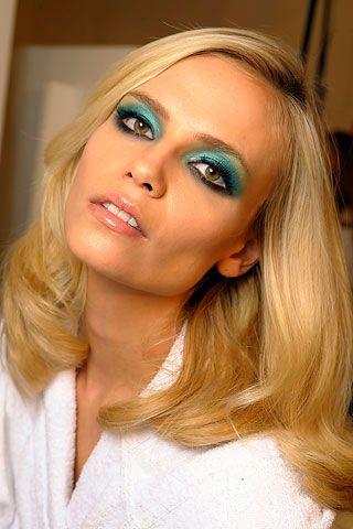 How To Wear Turquoise Eyeshadow 70s Disco Makeup Disco Makeup