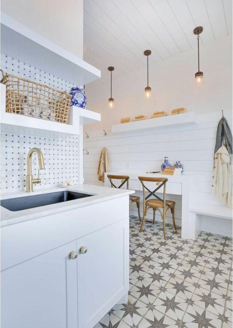 How To Achieve Modern Farmhouse Design With Tile Farmhouse Kitchen Decor The Tile Shop Modern Farmhouse Kitchens