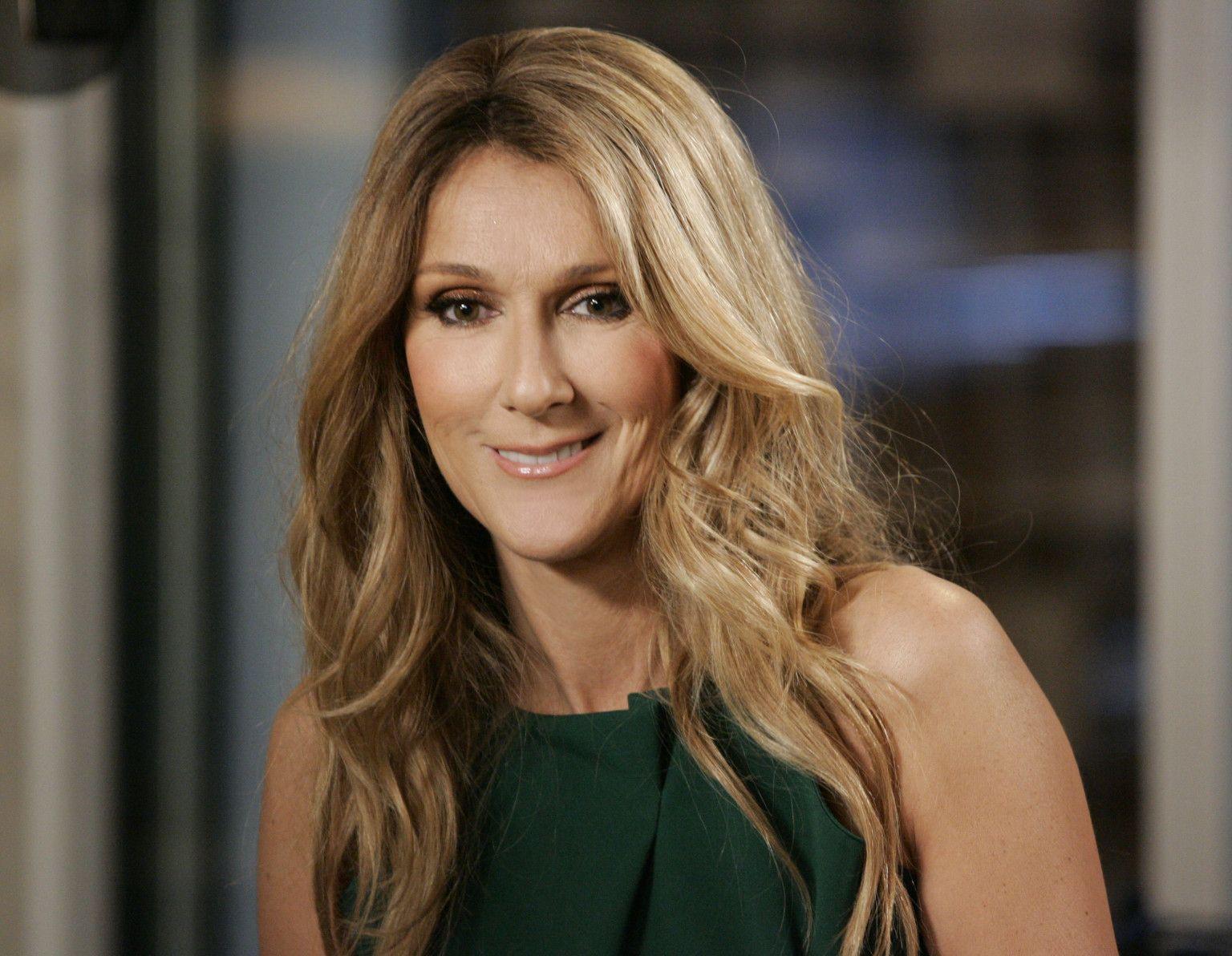Céline Dion Suspend Toute Activité Professionnelle Pour Des Raisons Familiales Celine Dion Celebrities Celine Dion Biography