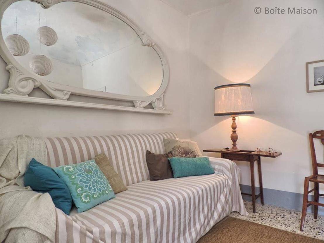 Case Mobili Stile Mediterraneo : Miracoli dellupcycling: un appartamento shabby in sicilia