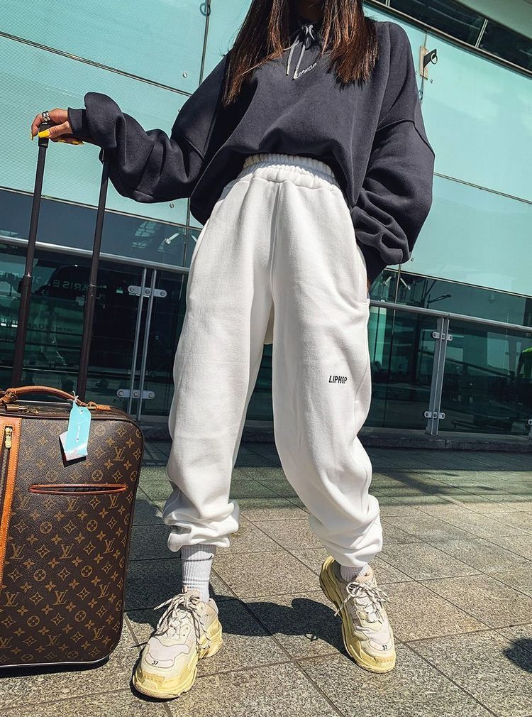 Pin By Magda Muszynska On Odezhda Cute Sweatpants Outfit Retro Outfits Cute Sweatpants