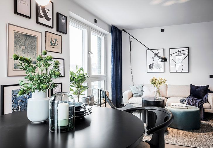 Touches of deep blue in Scandinavian home Идеи для дома