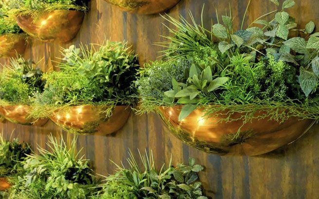 Vertikale Kräuterwand Auf Dem Balkon | Pastamore | Pinterest ... Vertikale Bepflanzung Ideen Tipps Garten