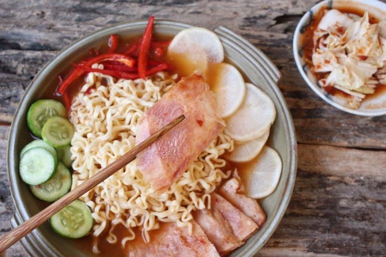 17 unexpected ways to cook with ramen noodles with only 10