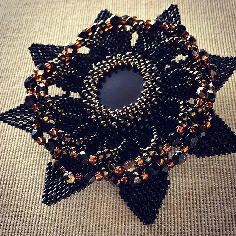 新作です^_^w1400/ブラックの花形ビーズブローチ✨✨ #カザリ咲色 #ビーズ #ビジュー #ビーズワーク #ビーズブローチ #ビーズアクセサリー #コサージュ #手芸 #ハンドメイド #ゴージャス #ボリューム #ブローチ #コスチュームジュエリー #ハンドメイドアクセサリー #bead #beads #bijou #beading #beadedflower #beadswork #girly #bijoux #beaded #beadedjewelry #corsage #handmade #handmadejewelry #handcrafted #floral #fashionista @kazari_sakuiro
