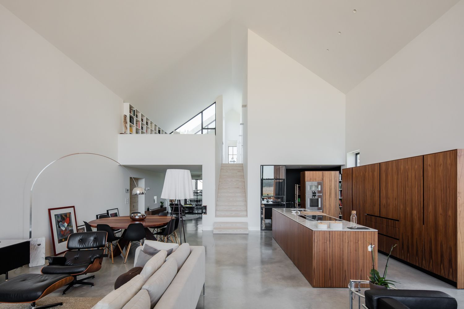Gallery of House in Ourm Filipe