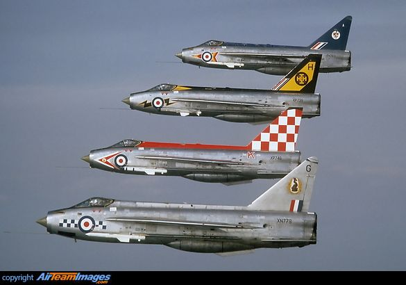 english electric lightnings in line abreast aircraft formations