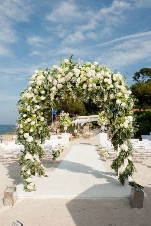 Wedding Flowers Inspiration : Nikki Tibbles Wedding Blog