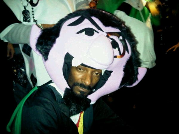 Famous Musicians In Hilarious Halloween Costumes Snoop Dogg