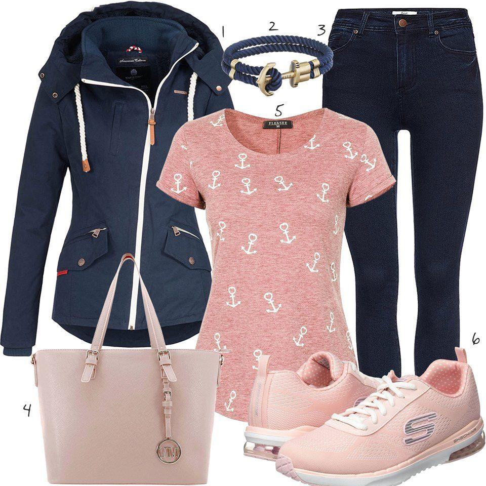Rosa Dunkelblaues Damenoutfit mit Shirt und Skechers