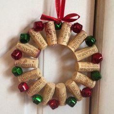 navidad adornos reciclados adornos navideos bricolaje originales hogar vino corcho corona de flores la artesana del corcho del vino cosas de
