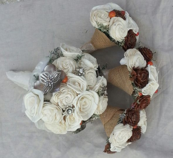 DIY bouquets,boutineers,fauxquet,wrist corsage,brooch sola tapioca ...