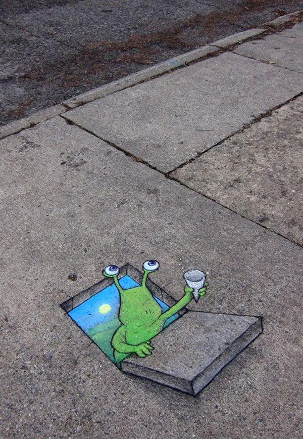 70 Sidewalk Chalk Art Of Sluggo By David Zinn Amazing Street Art Collection Sidewalk Art Sidewalk Chalk Art Street Chalk Art