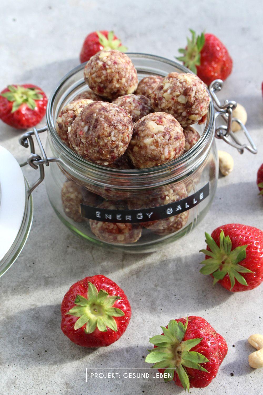 Erdbeer-Cashew Energy Balls