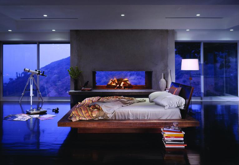 Santos Platoform Bed by environment
