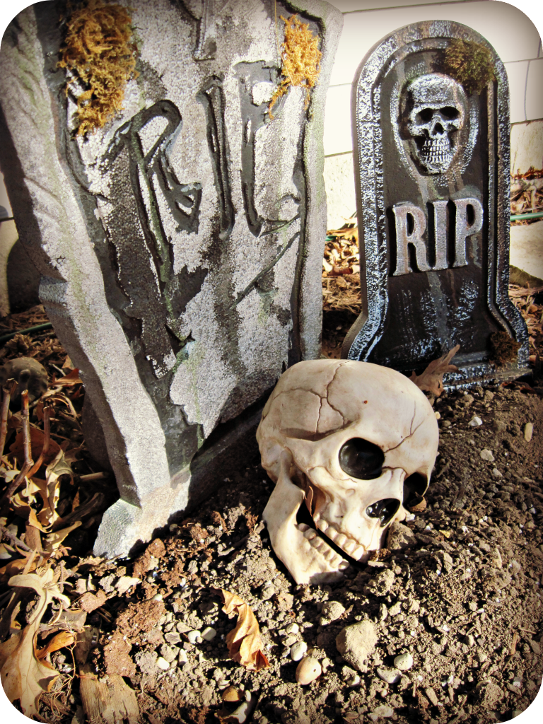 rip skull tombstone decoration