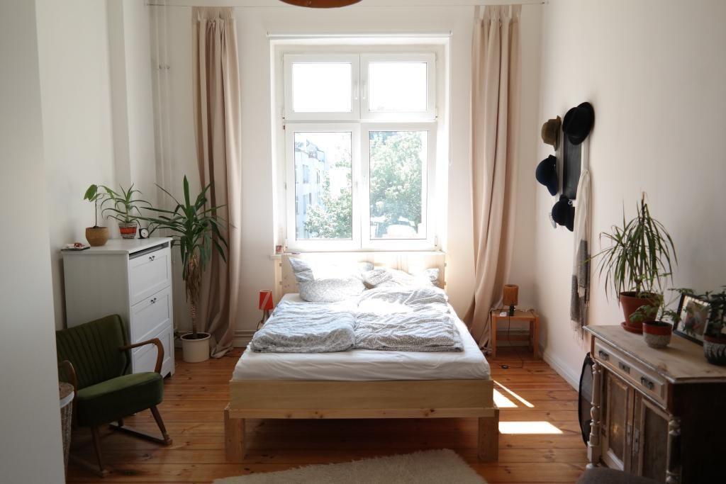 Zum Träumen: Gemütliches Schlafzimmer in Berliner Altbauwohnung ...