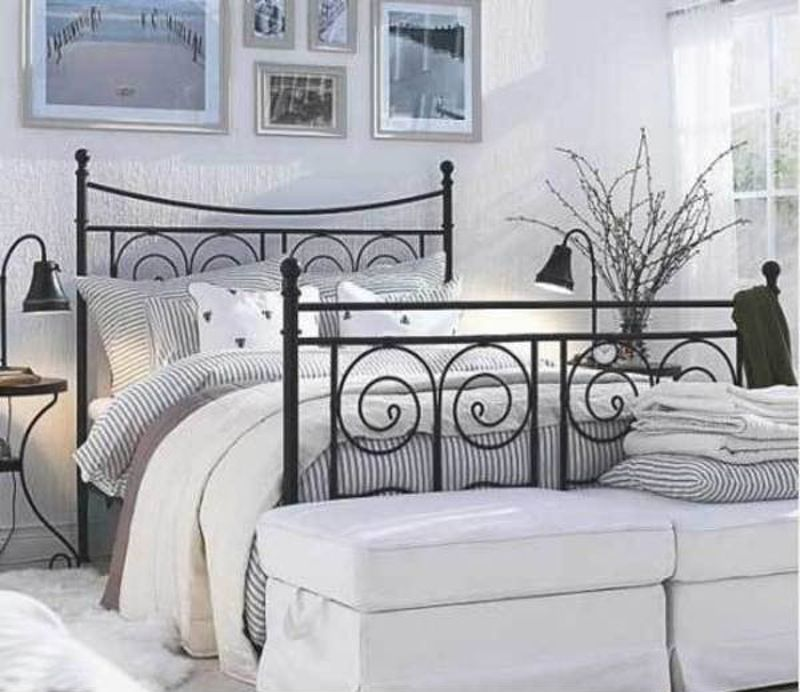 A Fence Made From Ikea Beds Ikea Bed Apartment Bedroom Design Ikea Metal Bed