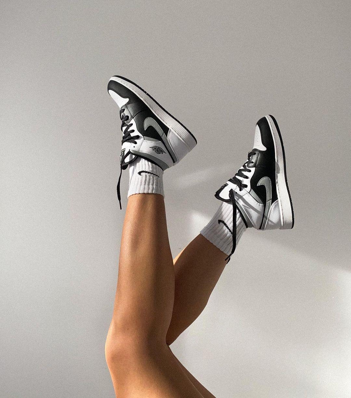 Air Jordan 1 Mid White Shadow | Chaussure swag, Photo de chaussure ...