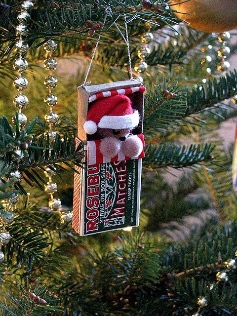 matchbox mouse ornament / darling neighbor gift should start now!
