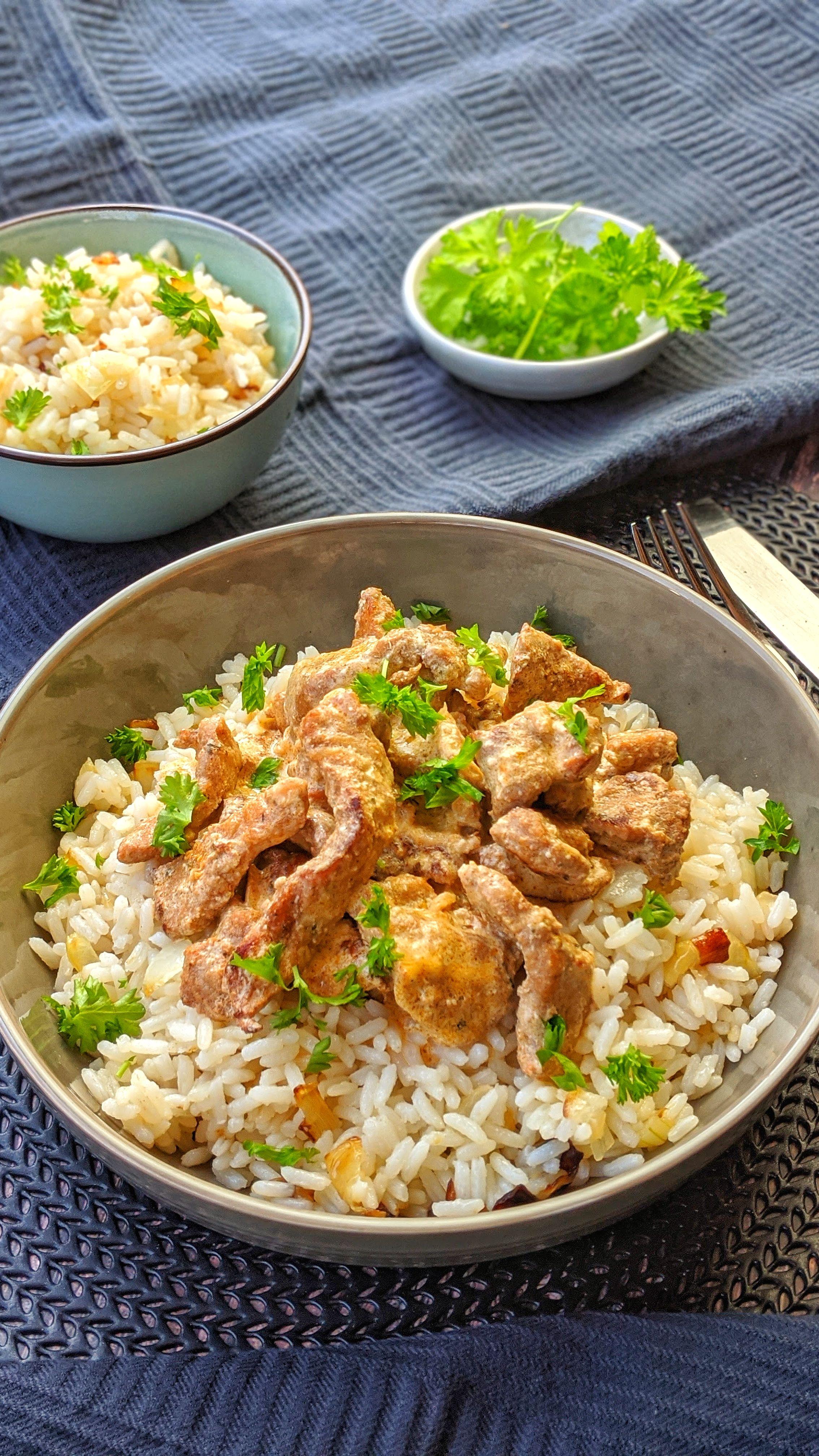 Gyros Geschnetzeltes in Schmand Soße mit Reis - Super lecker mit Hähnchen oder Pute