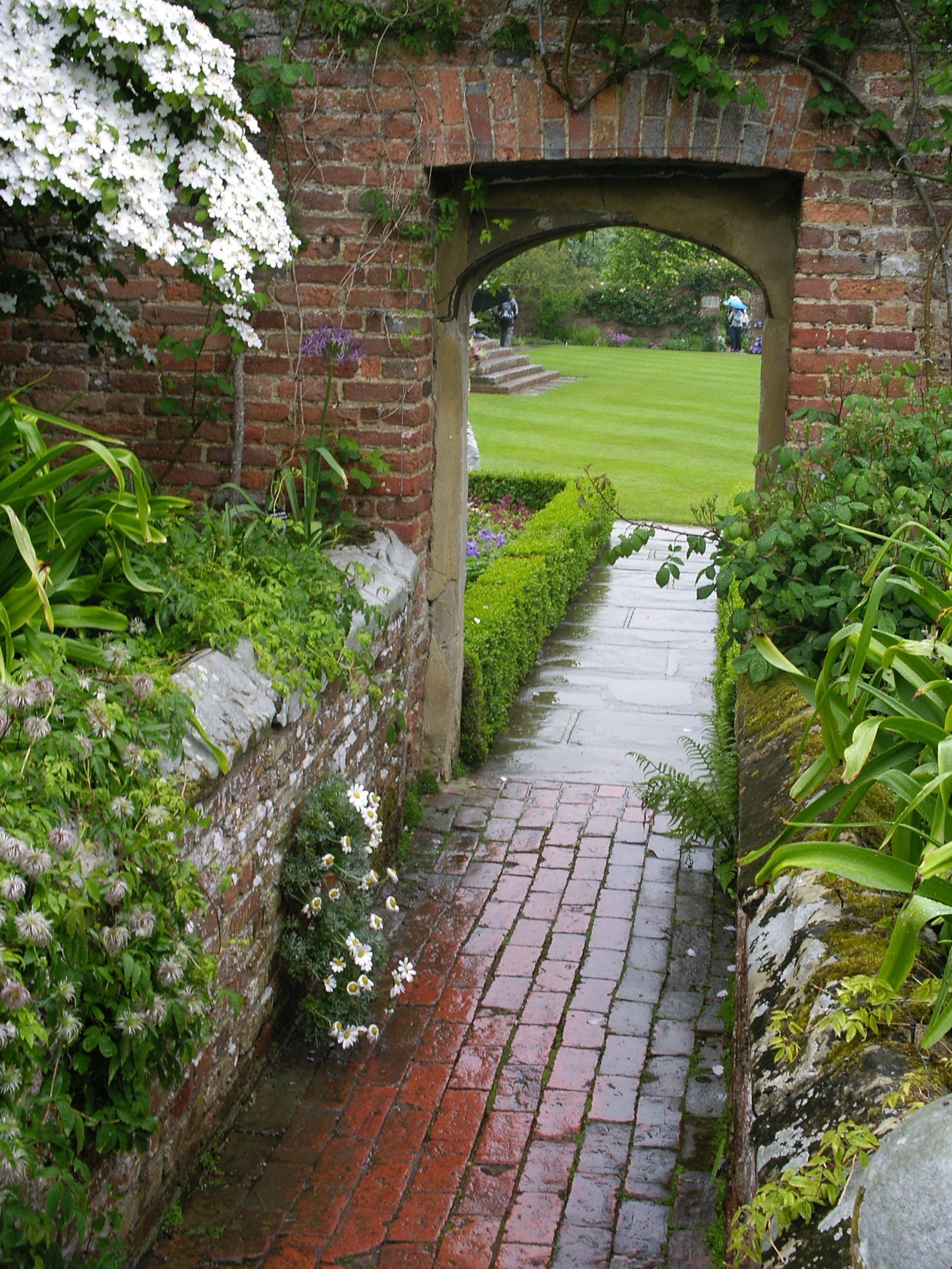 White Garden Arch