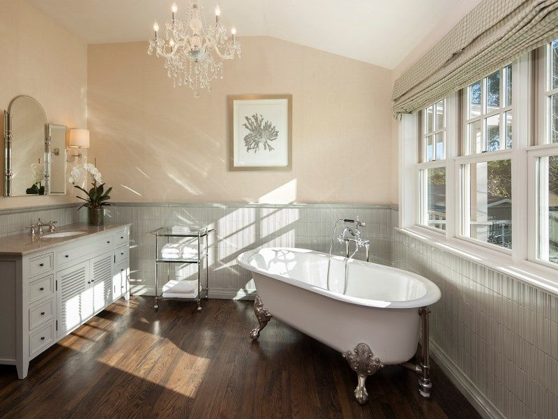 Bath design Traditional Master Bathroom with Caxton