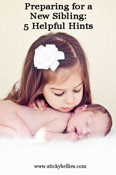 A MUST READ! Preparing for a New Sibling: 5 Tips   These tips totally helped my toddler prepare for baby #2!     Photo credit: www.sunbeamphotography.com