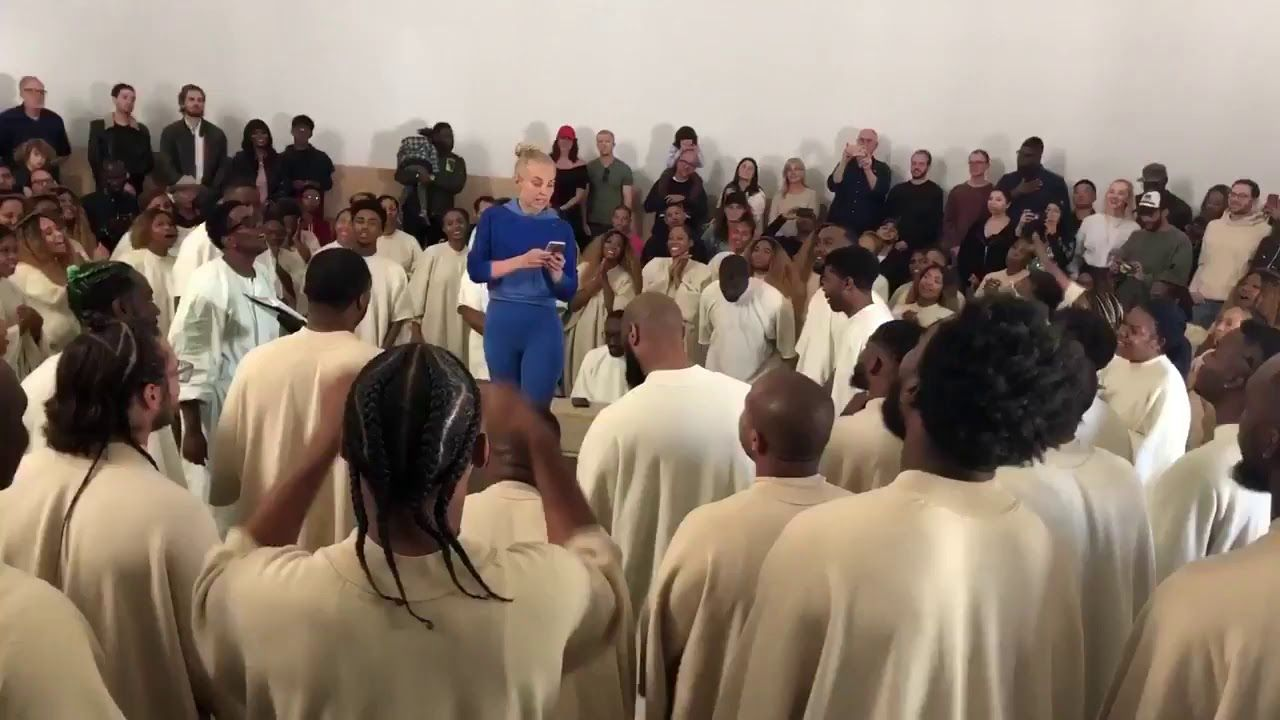 Sia Singing Live At Kanye West S Sunday Service May 19th 2019 Church Service Church Music Singing Videos