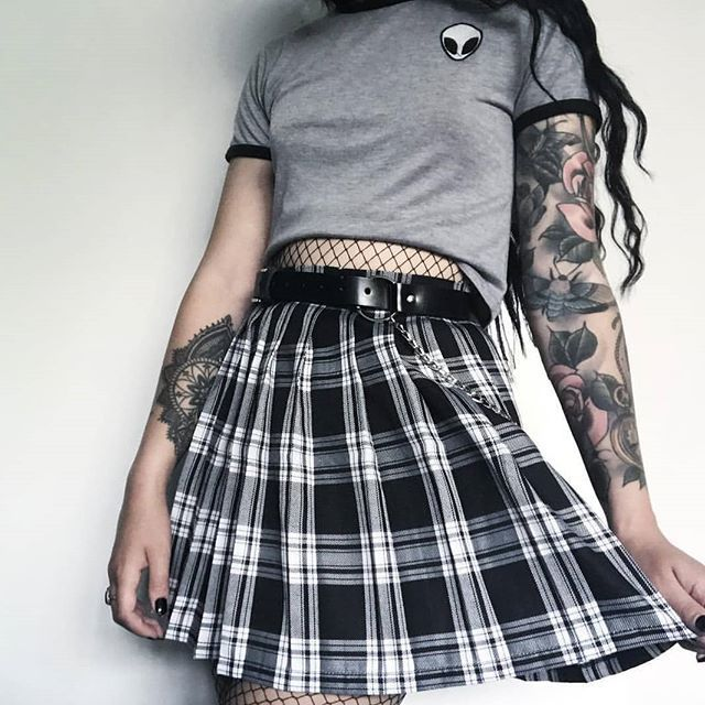 "ALTGIRL � on Instagram: ""Grey ️ Score it girls.. /10 ??? . . tag that friend who would really like this �� !!! . . . Follow @Mung.y For More Grunge Outfits and…"""