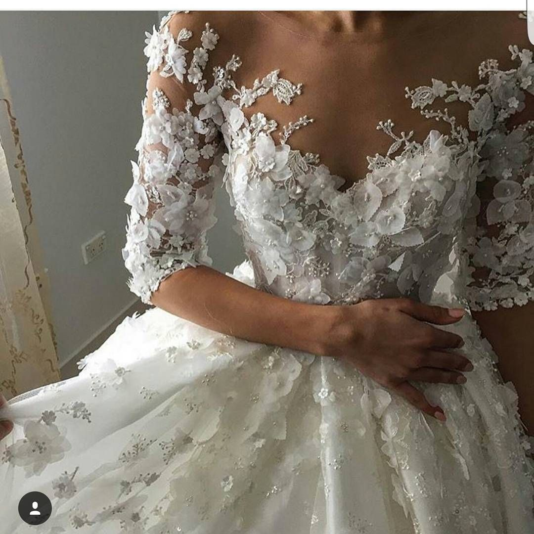 international wedding dress designers based in usa specializing in custom made fashion designer bridal gowns for all sizes