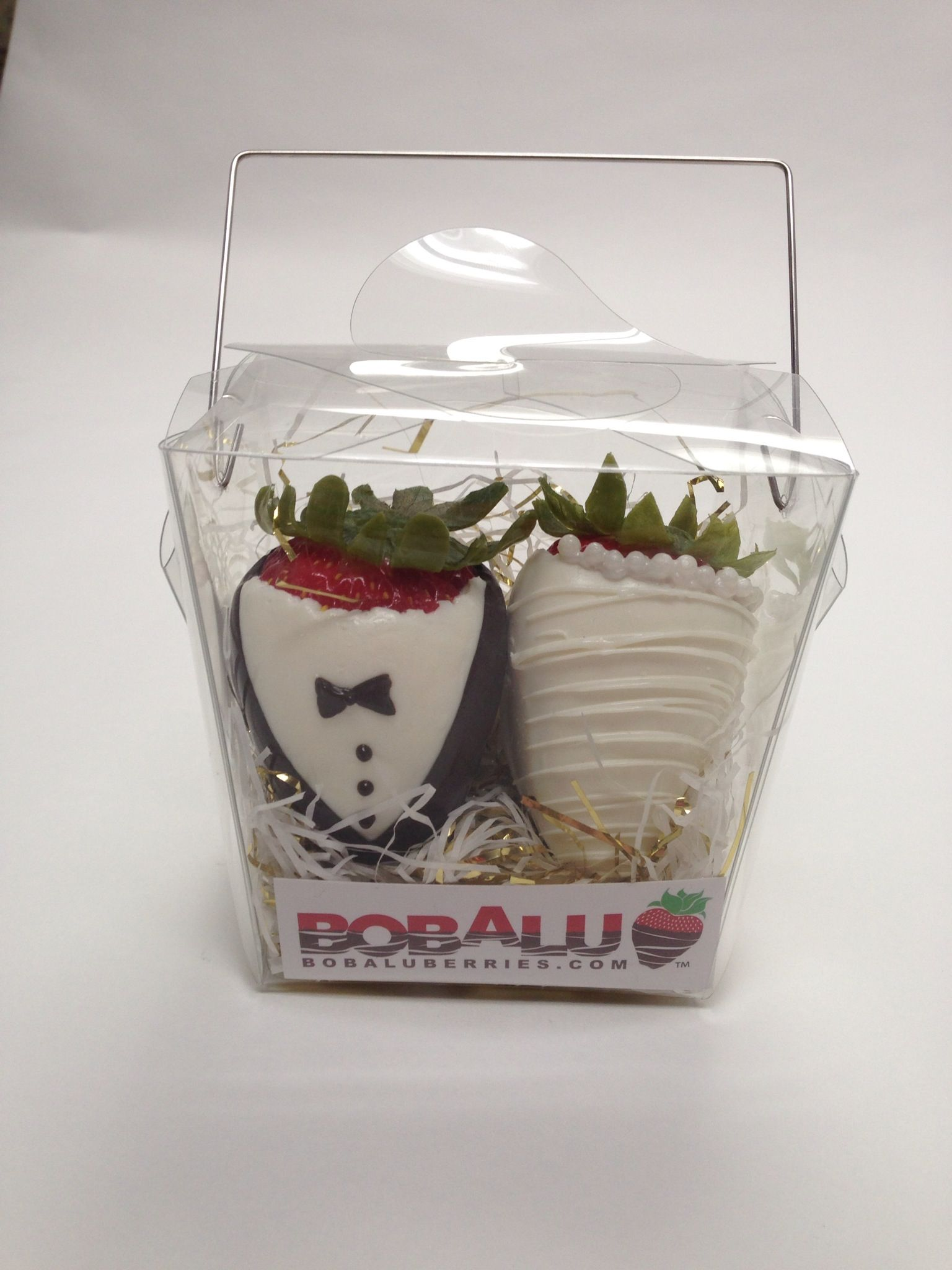 Chocolate covered strawberries wedding favors | Wedding | Pinterest ...