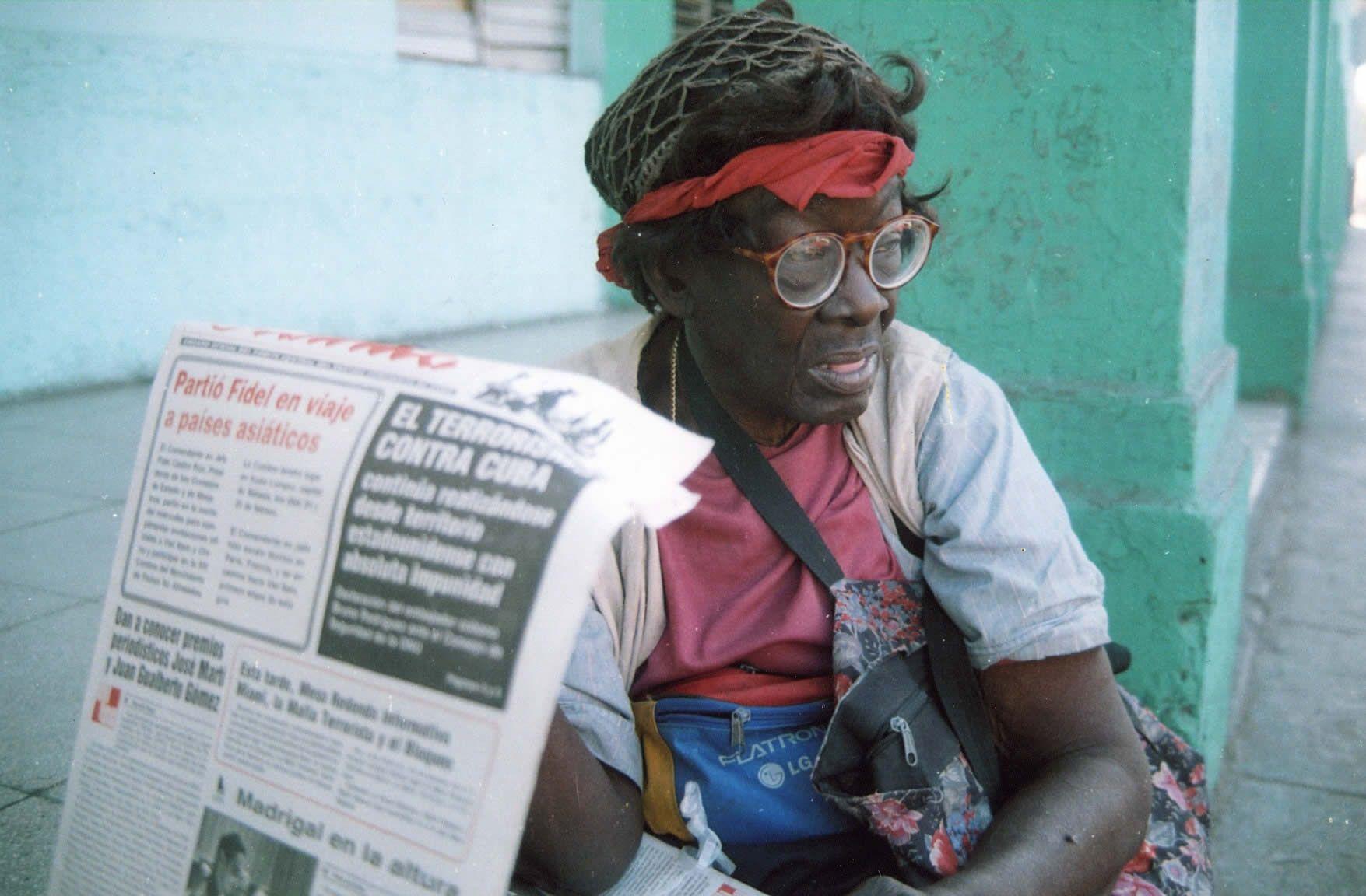 La vendedora de periódicos (Vota por esta obra en observarte.net)
