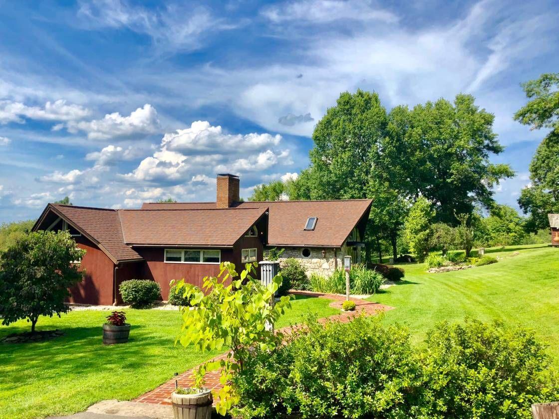 Equestrian Estate For Sale in Fayette County