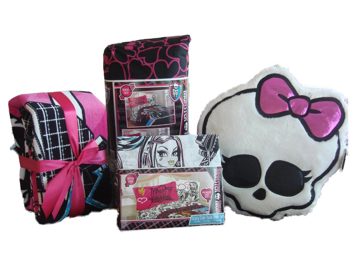Monster High Comforter Set for Girls. What a fun idea for that ...