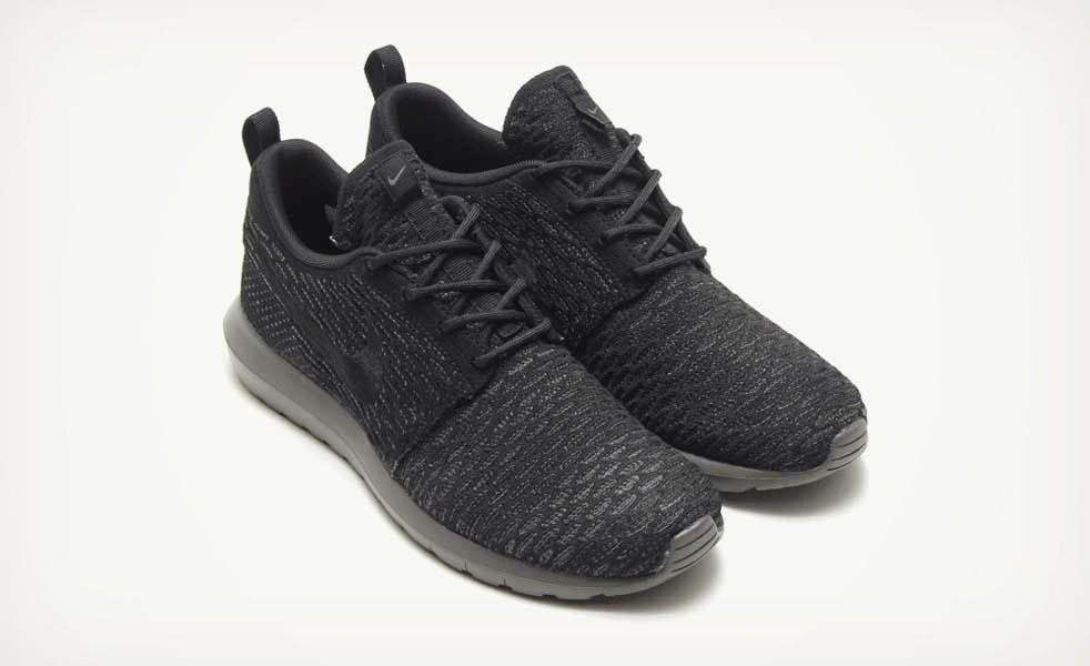 Murdered Out Nike Flyknit Roshe Run Sneakers   My Style