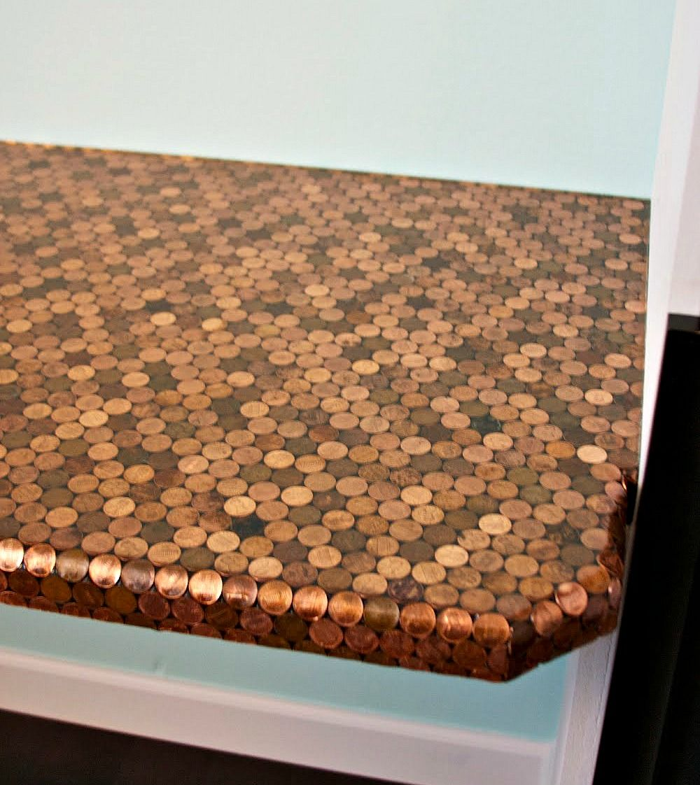 Diy copper penny backsplash for diy penny jewellery i love the diy copper penny backsplash for diy penny jewellery i love the originality of this dailygadgetfo Image collections