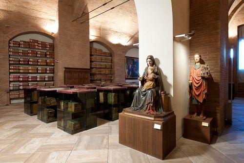 Mps Historisches Archiv Der Altesten Bank Der Welt In Siena Http Www Toskanaitalien De Mps Historisches Archiv Bank Siena Toskana Italien Toskana Siena