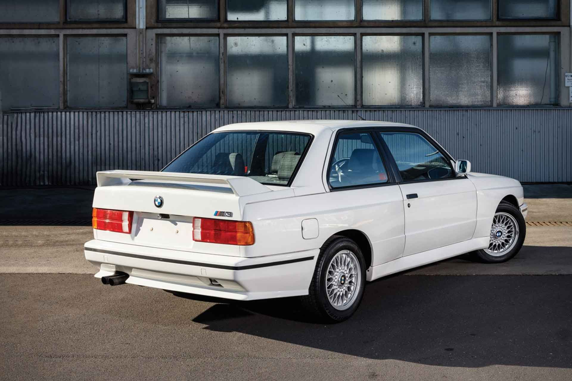 The Bmw M3 Started In 1986 With The Legendary E30 Platform The M3 Used The Same Chassis As The E30 But With A Strengthened Struc Bmw M3 Coupe M3 Coupe Bmw M3