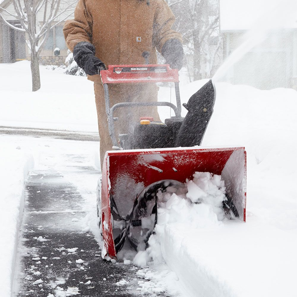 13 Snow Blowing Tips That Make Snow Removal Quick And Easy Snow