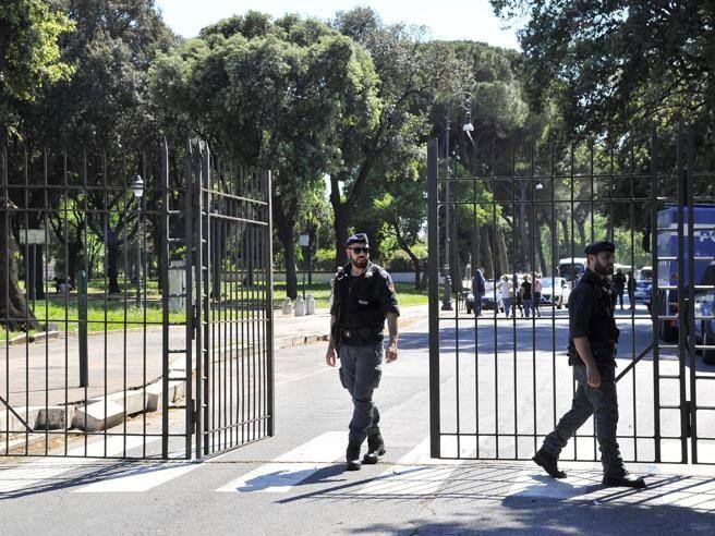 Violenza sessuale a Roma il racconto della vittima australiana Sembrava a posto poi mi è saltato addosso - Corriere della Sera