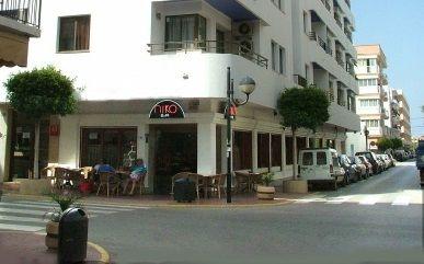 Guinness Caprichoso jerarquía  Apartamentos Niko, www.apartamentos-niko.upps.eu, Die Niko Apartments  befinden sich im Zentrum von Santa Eulalia del Río, Ibiza. Komple… |  Reiseziele, Ibiza, Reisen