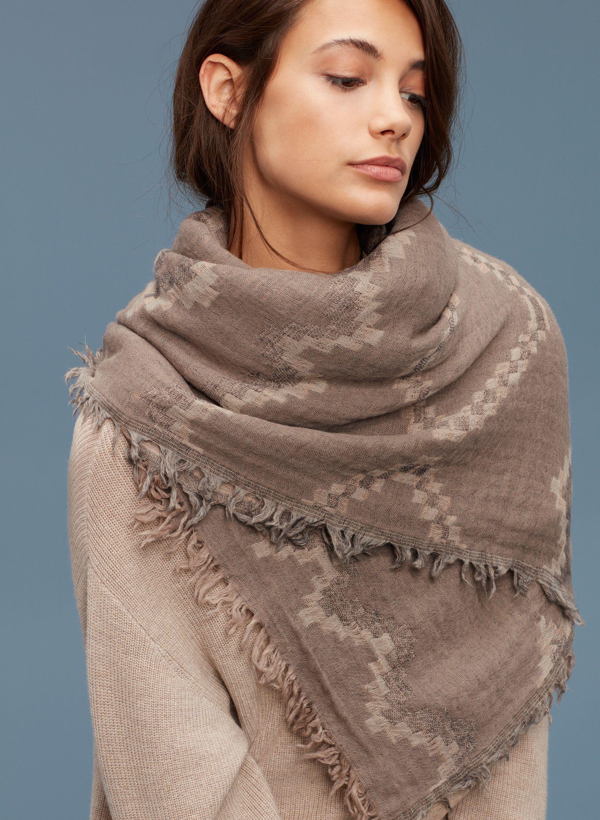 1fdd78d3c8137 Diamond mosaic blanket scarf in 2019 | { killer threads } | Aritzia ...