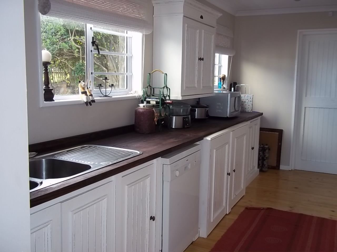 Elegance Sink Unit with space for Dishwasher on the right ...