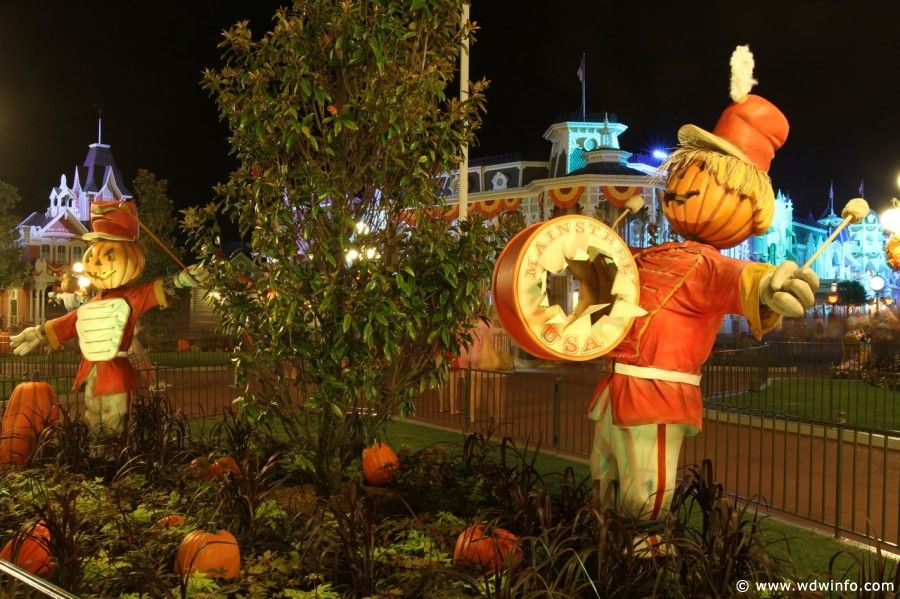 Halloween Decorations at WDW