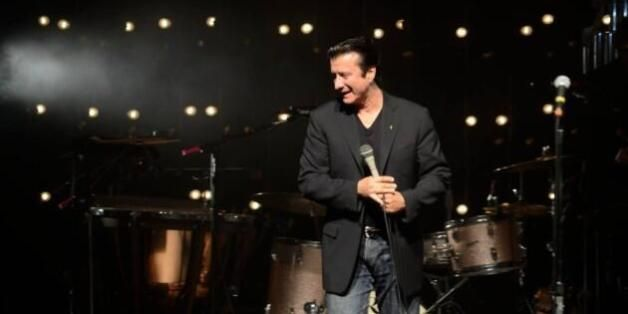 SURPRISE! Steve Perry's First Live Stage Performance In Nearly 20 Years