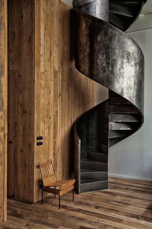 Ecrin Brut En 2020 Architecte Interieur Escaliers En Acier Quartiers Parisiens