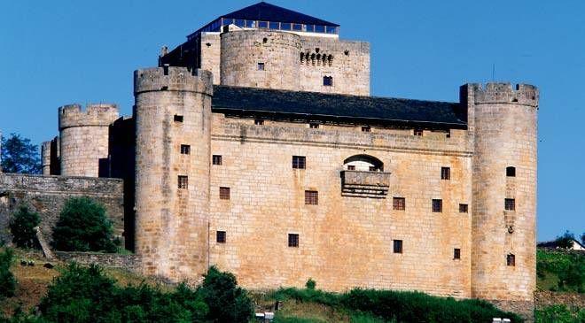 Castillo De Puebla De Sanabria Medieval Castle Medieval Castles In Europe Castle Ruins