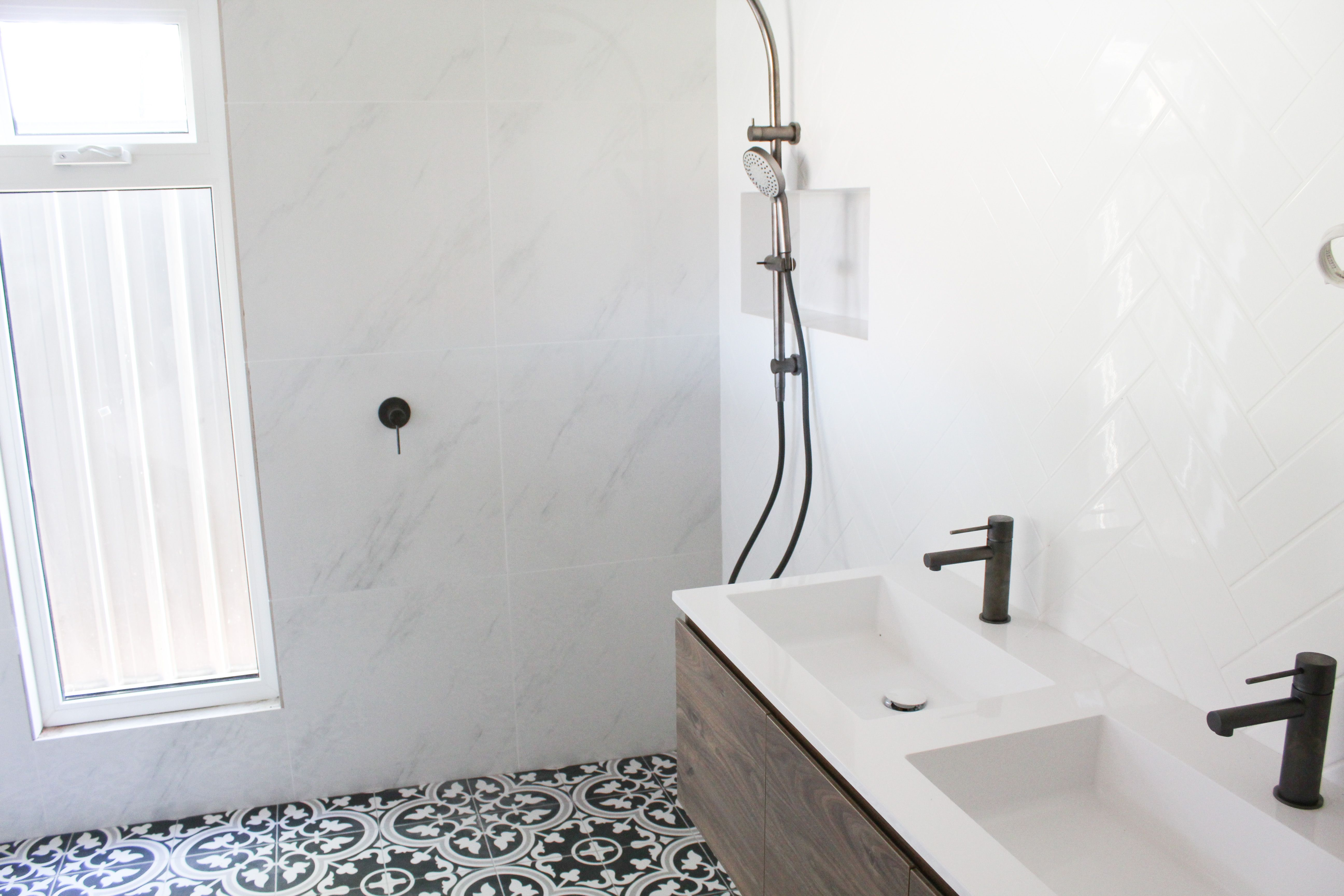 Encaustic Black And White Floor  Marble Feature Wall